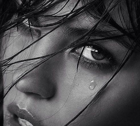 обиженные глаза девушек фото