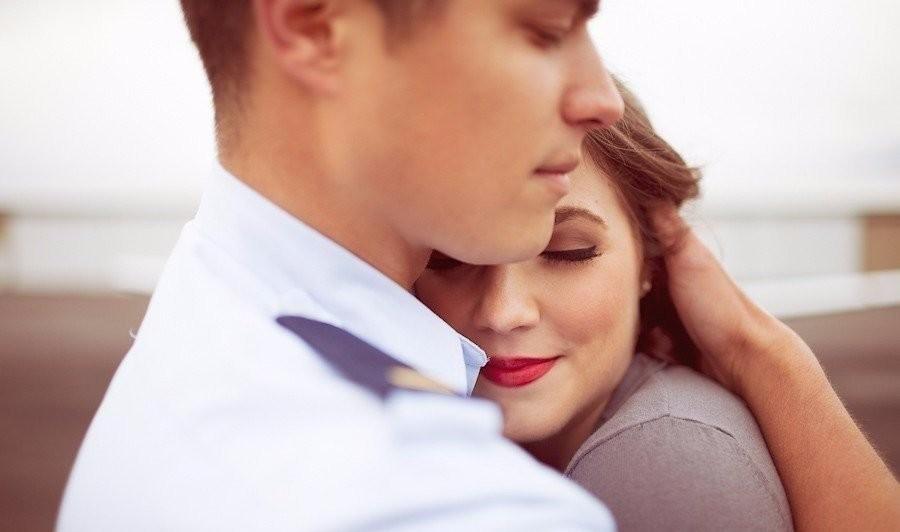 Как Понять Что Незнакомый Парень Тебя Любит