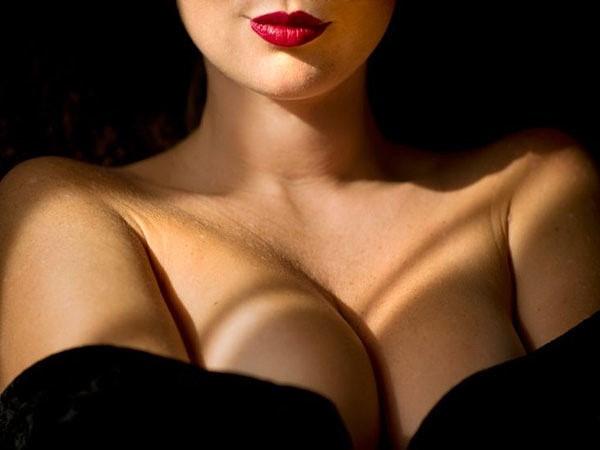 Открытая грудь женская