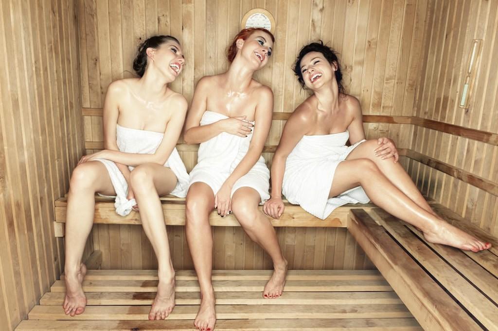 Порно рассказы купание мальчиков в женской бани