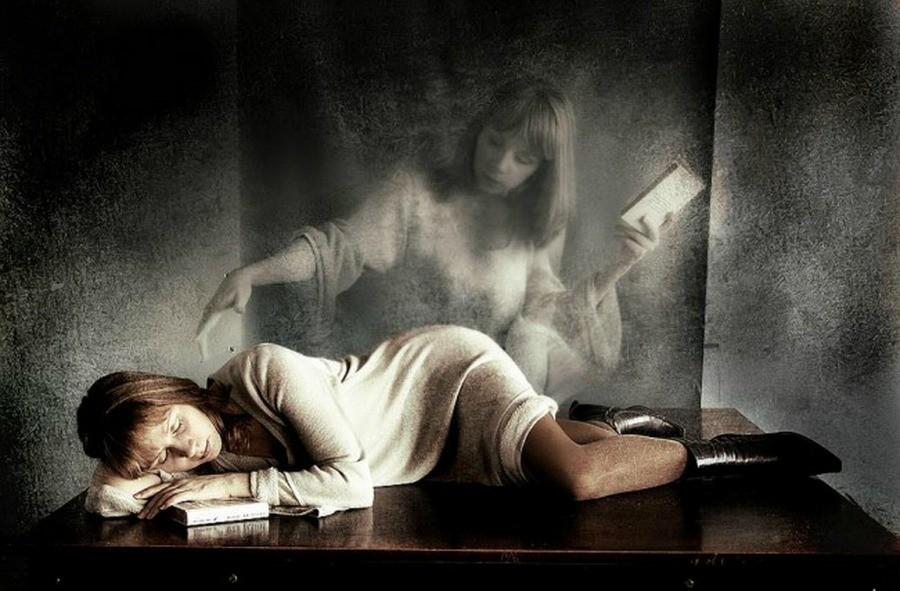 Почивший близкий друг и товарищ во сне означает новость, после которой вам необходимо будет усердно трудиться.