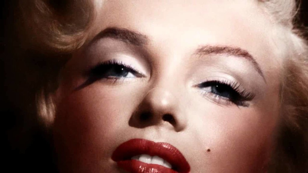 Brief Biography of the Life of Marilyn Monroe Marilyn Monroe had a glamorous and exciting existance but Norma Jeane had a lonely tragic lifeThere are many