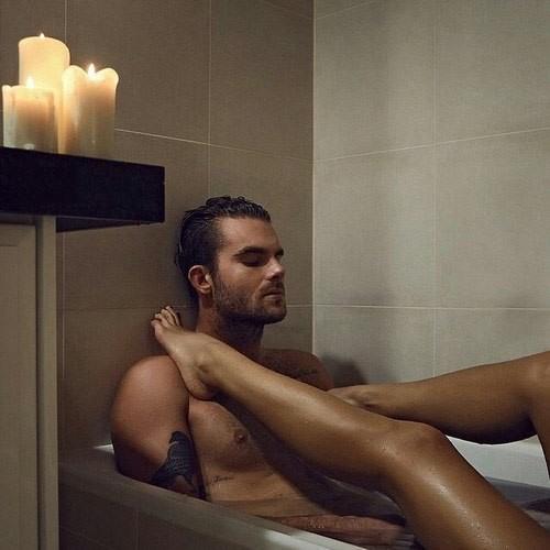 Секс в ванне нежно смотреть