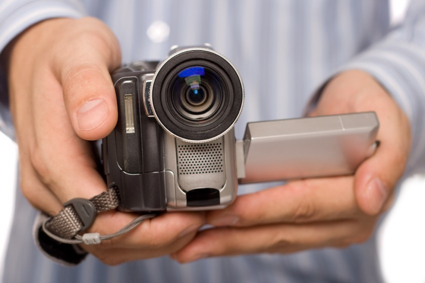 Если в сновидении ваш видеомагнитофон сломался, то вас ждут большие разочарования.