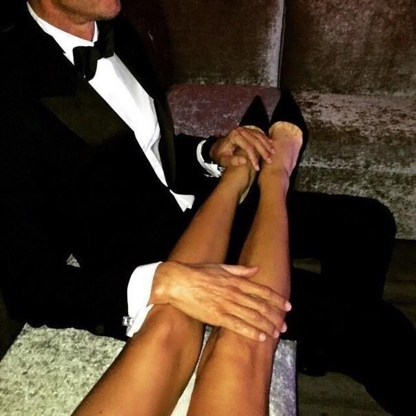 никогда еще парень целует женские ноги фото оформлении командировочных расходов
