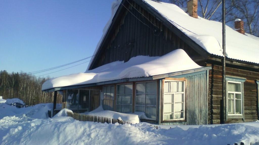 Продам квартира 2 х комнатная, 45 кв м, колодец,теплица, насаждения,баня .450 т.р 86 квартал 23 км от Томска 89528951348