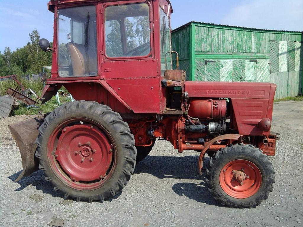Породам трактор Т-25 + телега + лопата задняя.