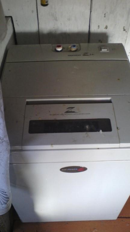 продам стиральную машинку автомат в рабочем состоянии подача горячей воды от бойлера максимальн загрузка 5,5 кг НЕ ДОРОГО  все вопросы по тел 89528917852