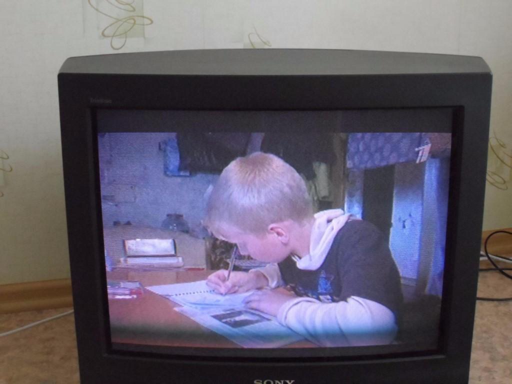Продаю телевизор SONY 62 см диагональ.