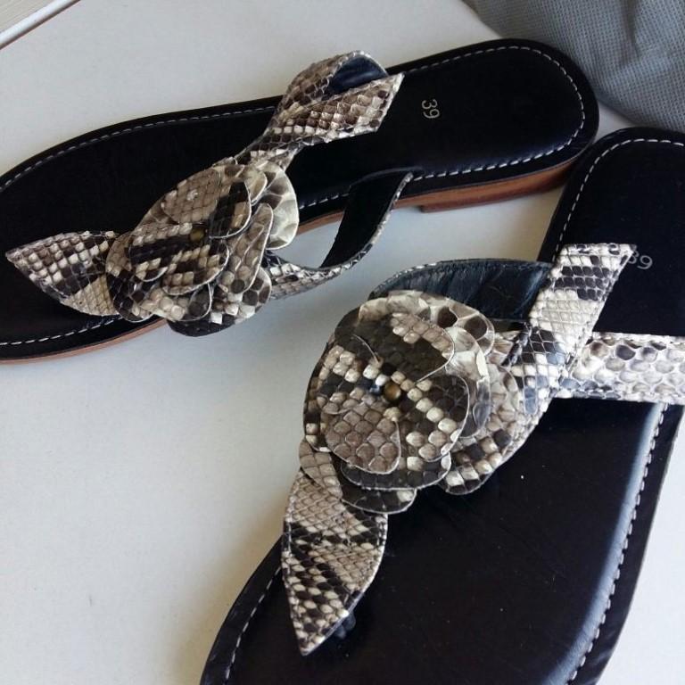 Продам сандалии из кожи питона, производство Тайланд.