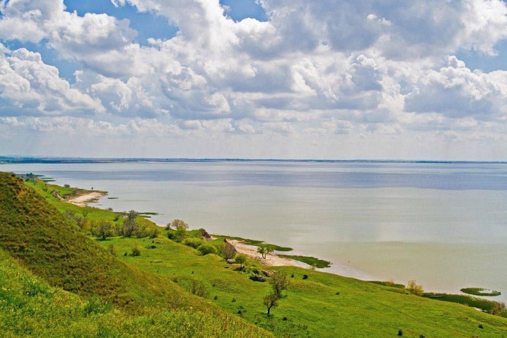 На берегу Таганрогского залива продаются земельные участки 5, 10 и 15 соток.