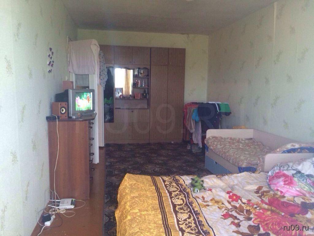 продам 1 комнатную квартиру 75 серии в советском районе на ул Елизаровых 76 37 квадратов требуется небольшой косметический ремонт, отлчиное расположение рядом садики школы остановки, цеа всего 1550 торопитесь предложение ограничено 89528954096