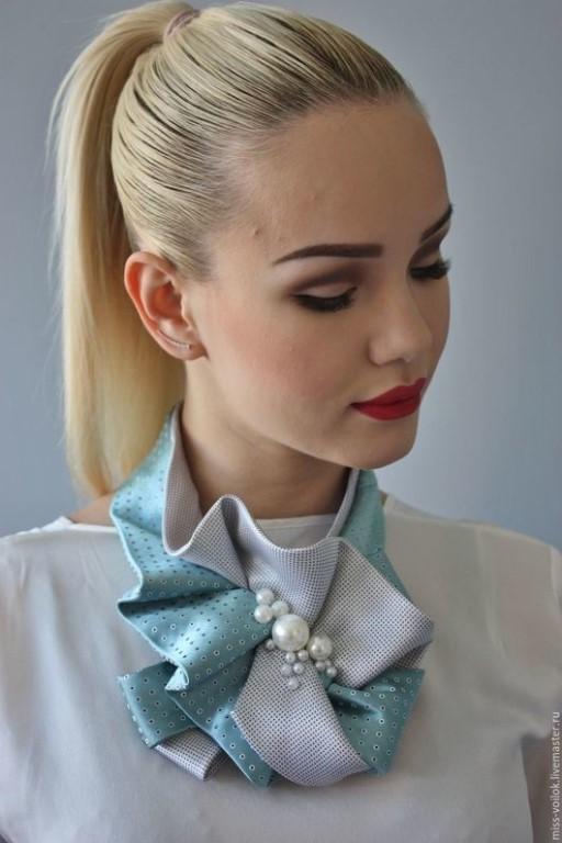 """Новые стильные предметы аксессуара для женщин в наличии и на заказ, альбом """"Аксессуары из галстуков""""."""