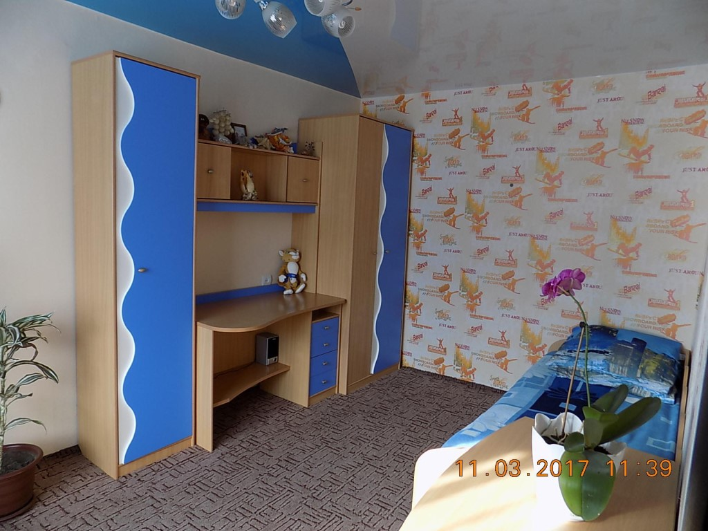 Готовится к продаже 3-комнатная, благоустроенная квартира в центре Мельниково Шегарского района Томской области.