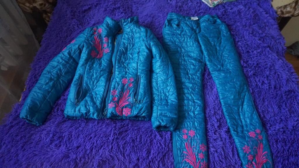 костюм демисезонный размер 40-42 - 1000р