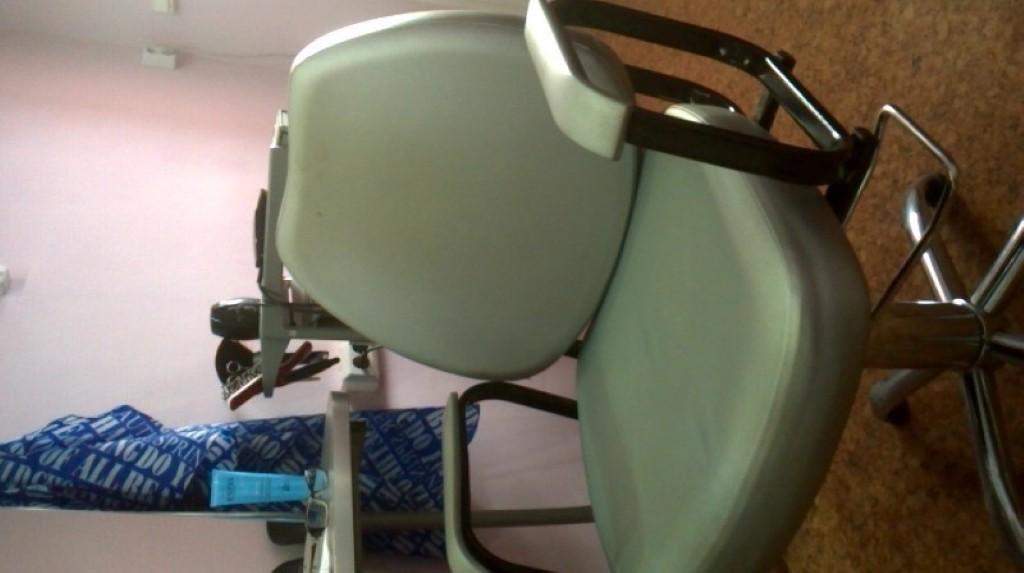 Продам парикмахерское кресло гидравлика б/у 2000р.