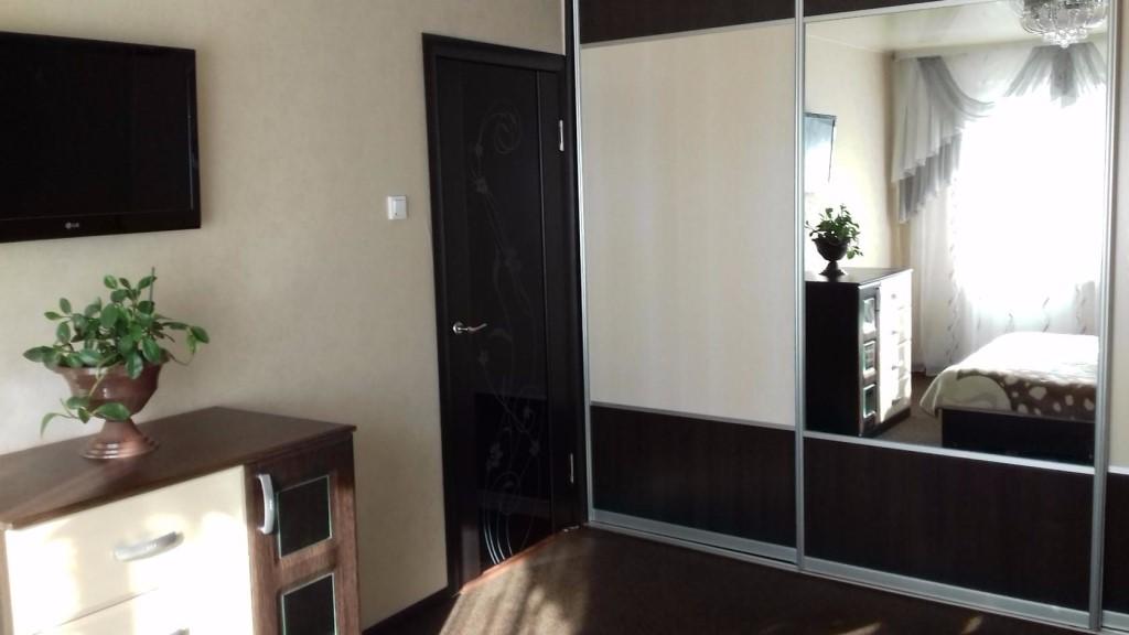 Продается 3-комнатная, благоустроенная квартира в центре села МЕЛЬНИКОВО Шегарского района.