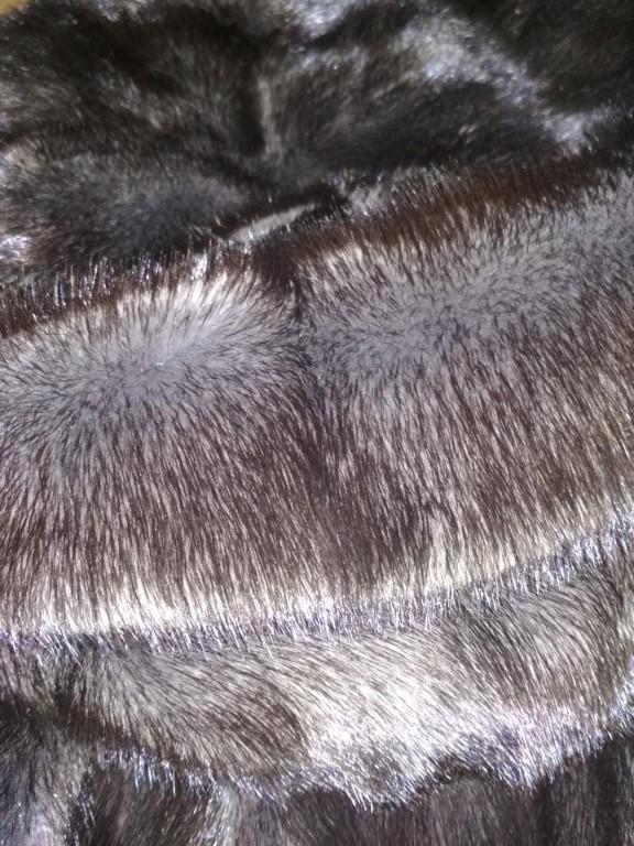 Дизайнерская шуба из Италии!!Мех очень густой  и смотрится объёмно и дорого.