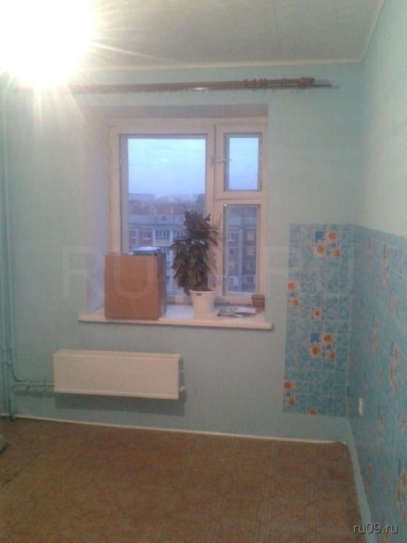 сдам 1 комнатную квартиру в советском районе на ул Сибирская 115 отличное состояние 42 квадрата пустая цена 10тр 89528954096