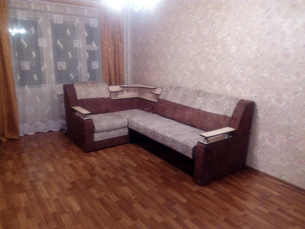 сдам 1 комнатную квартиру в советском районе в кирпичном дом на ул Сибирская 115 хорошее состояние  с мебелью и техникой цена 12тр+ком пустая 9тр+ком 214327